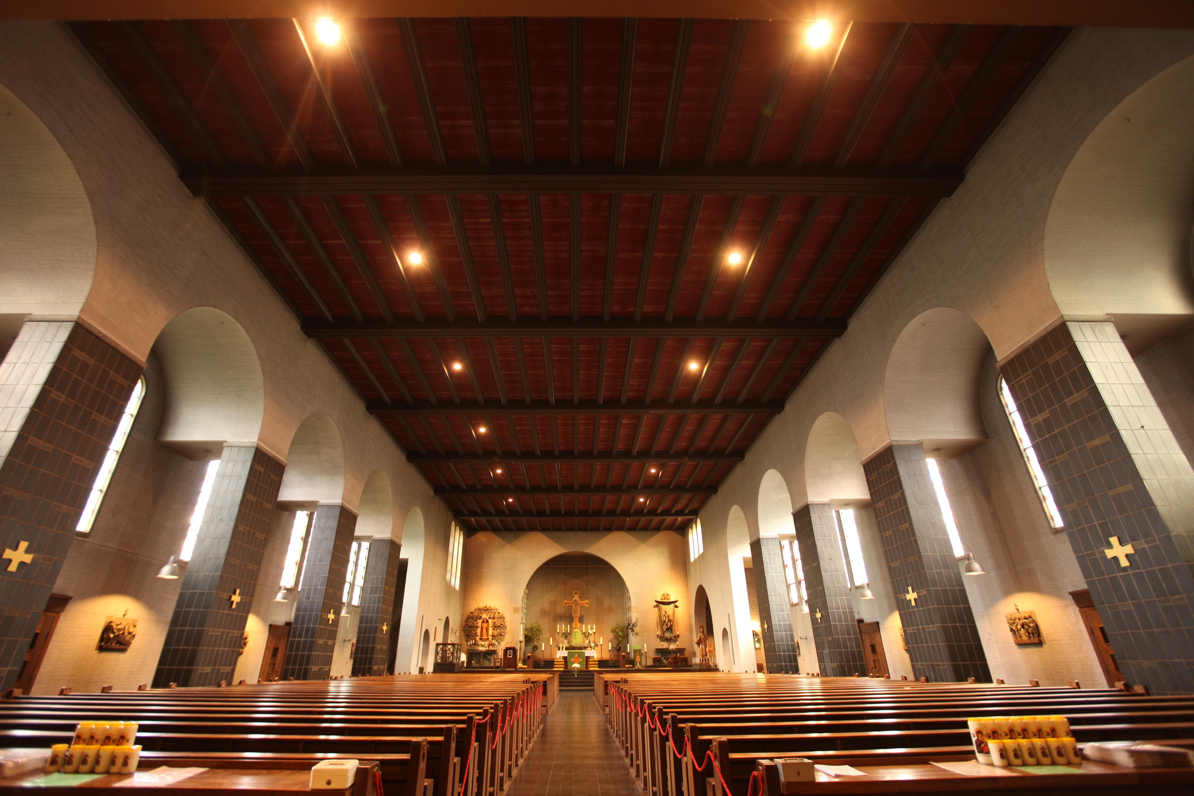 d Baumannkerk interieur